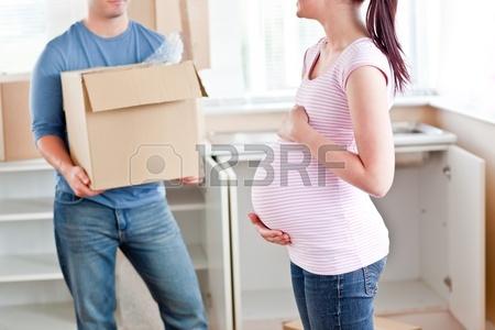 ایده مدل ژست جدید عکس بارداری برای اتلیه